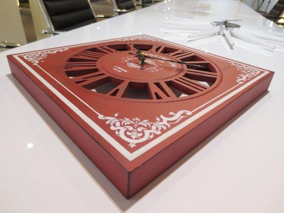 アンティーク壁掛け時計(赤レッド・正方形)